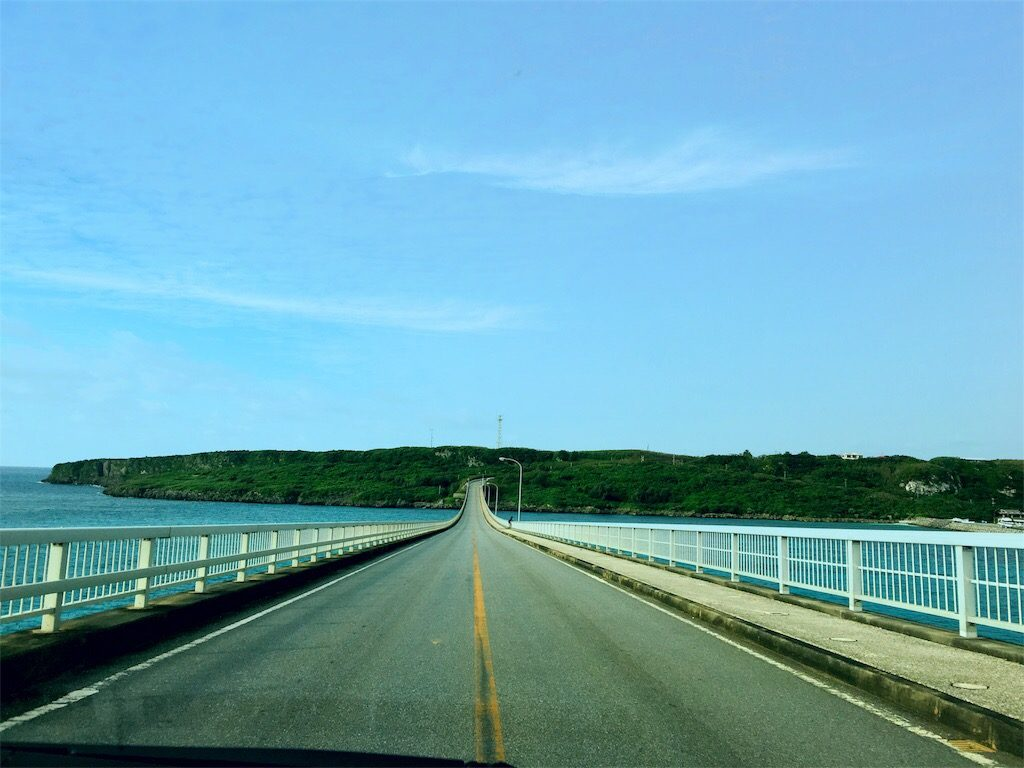 来間大橋から来間島