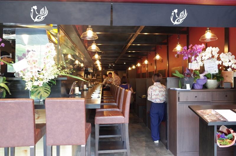 カウンター席とテーブル席とりどきクアラルンプールグルメ日本食