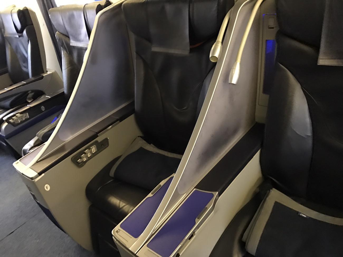 ANAプレミムエコノミー搭乗記 ANAプレミムシート座席