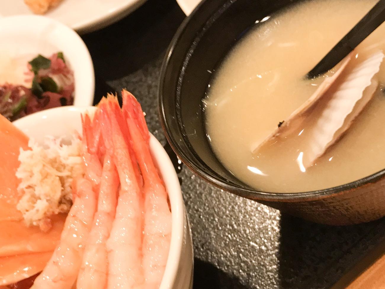 ドーミーイン札幌の朝食 帆立の味噌汁