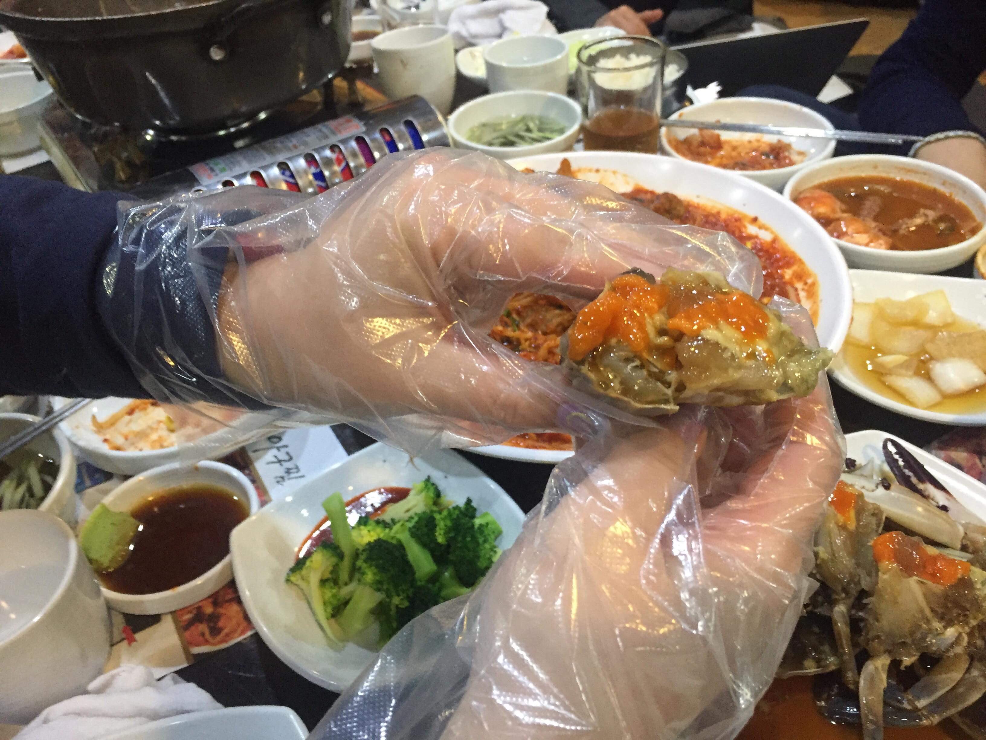 韓国グルメおすすめ 韓国料理 馬山アグチム カンジャンケジャン食べ方