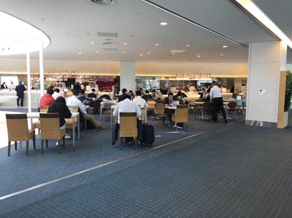 羽田空港食事 第二旅客ターミナルフードコート