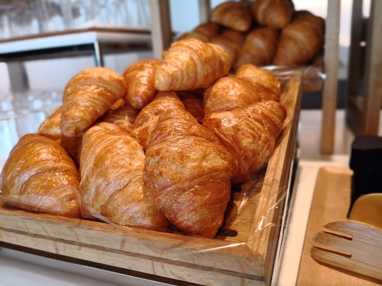 羽田空港 無料の朝食が食べられる空港ラウンジ