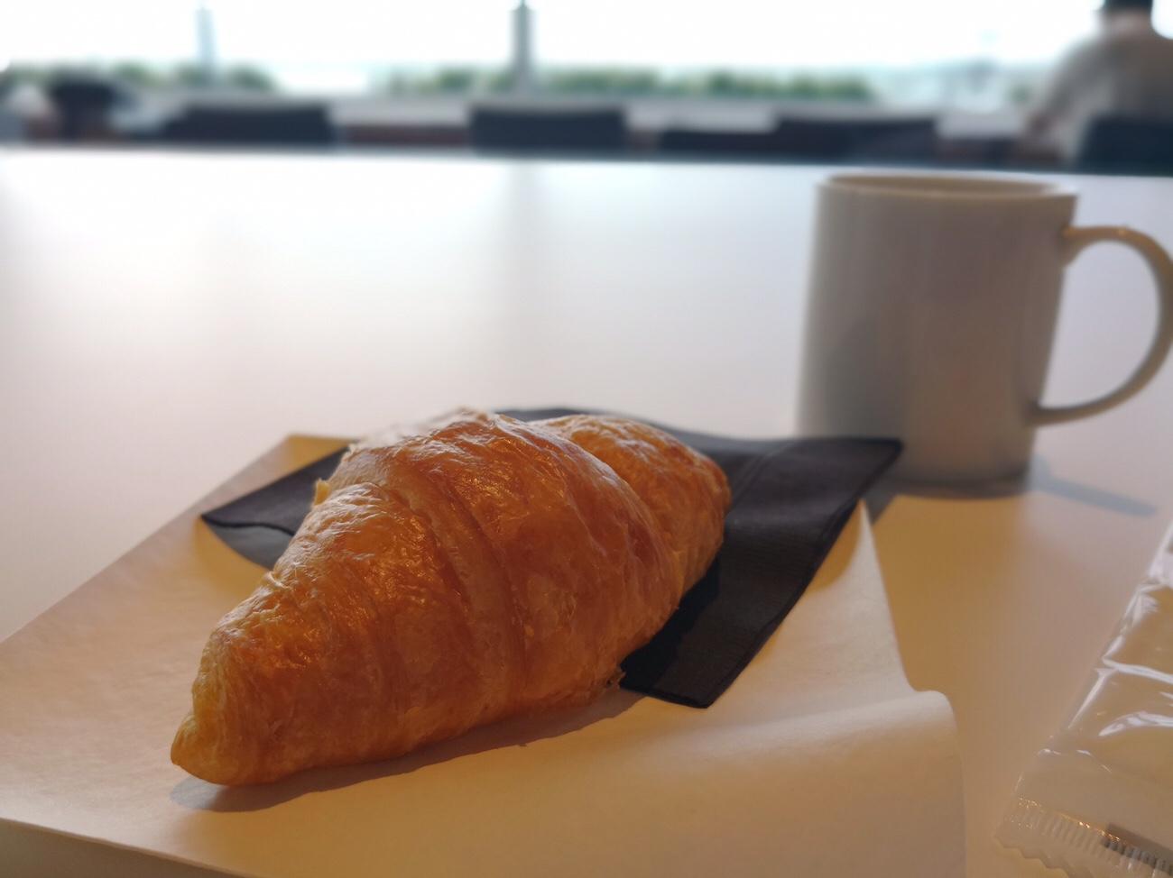 羽田空港第二ターミナルパワーラウンジ 無料の朝食