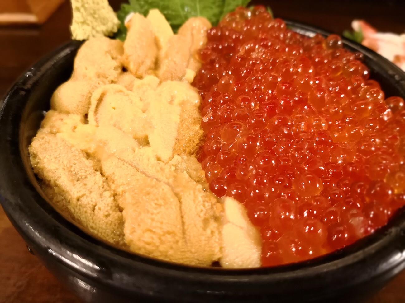 生ウニいくら海鮮丼 二条市場 朝食 札幌グルメ