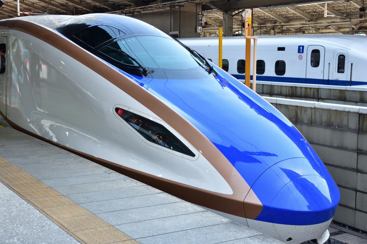 北陸新幹線かがやきはくたかどっちが早い
