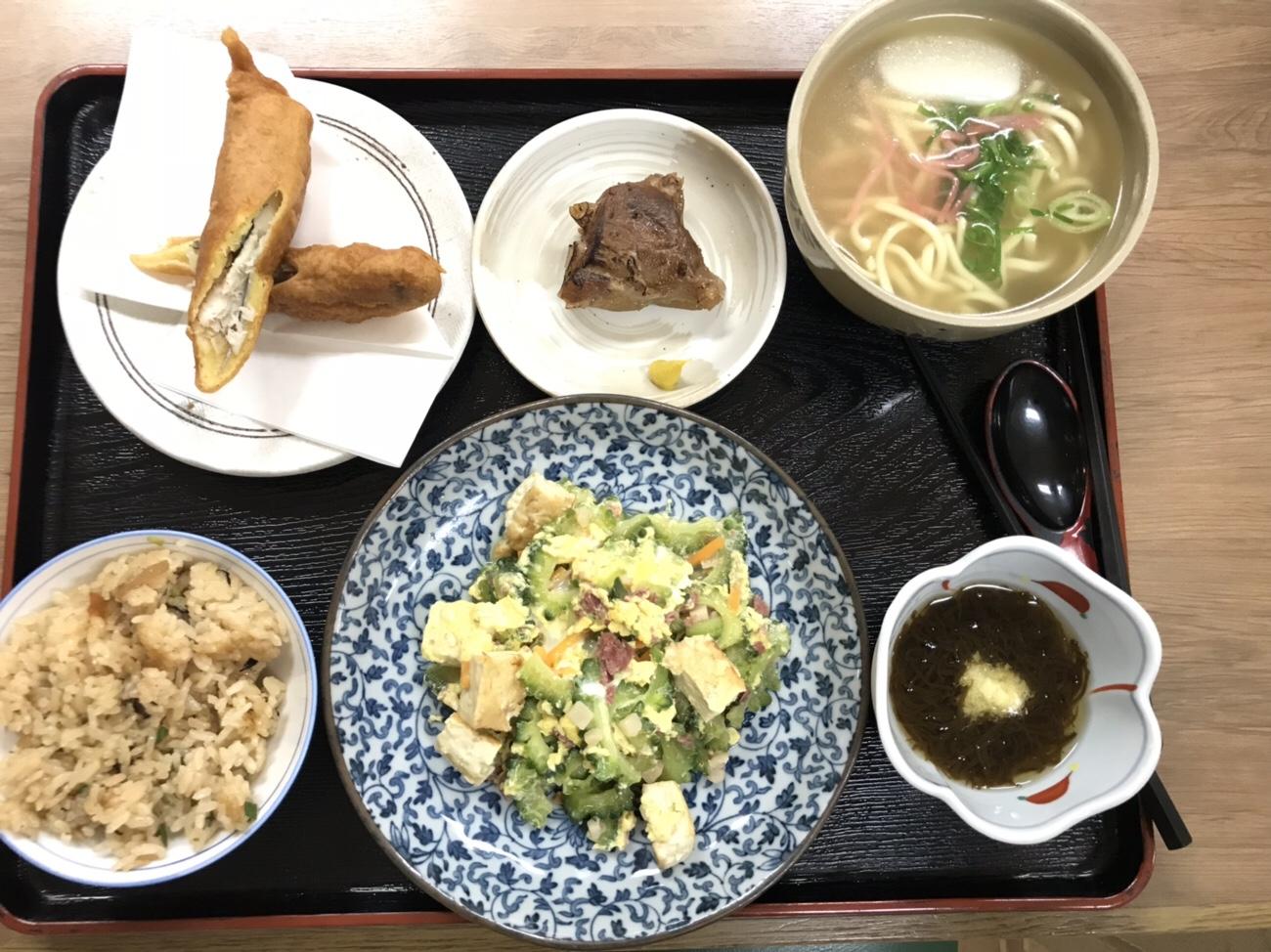 那覇空港 食事 沖縄料理メニュー 沖縄ソバ