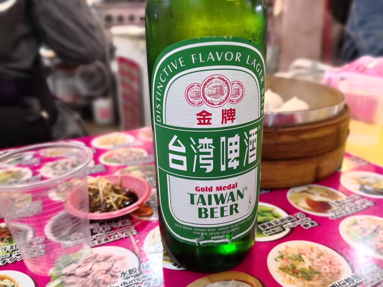 台湾ビール 士林市場グルメ食べ歩き 台湾旅行ブログ