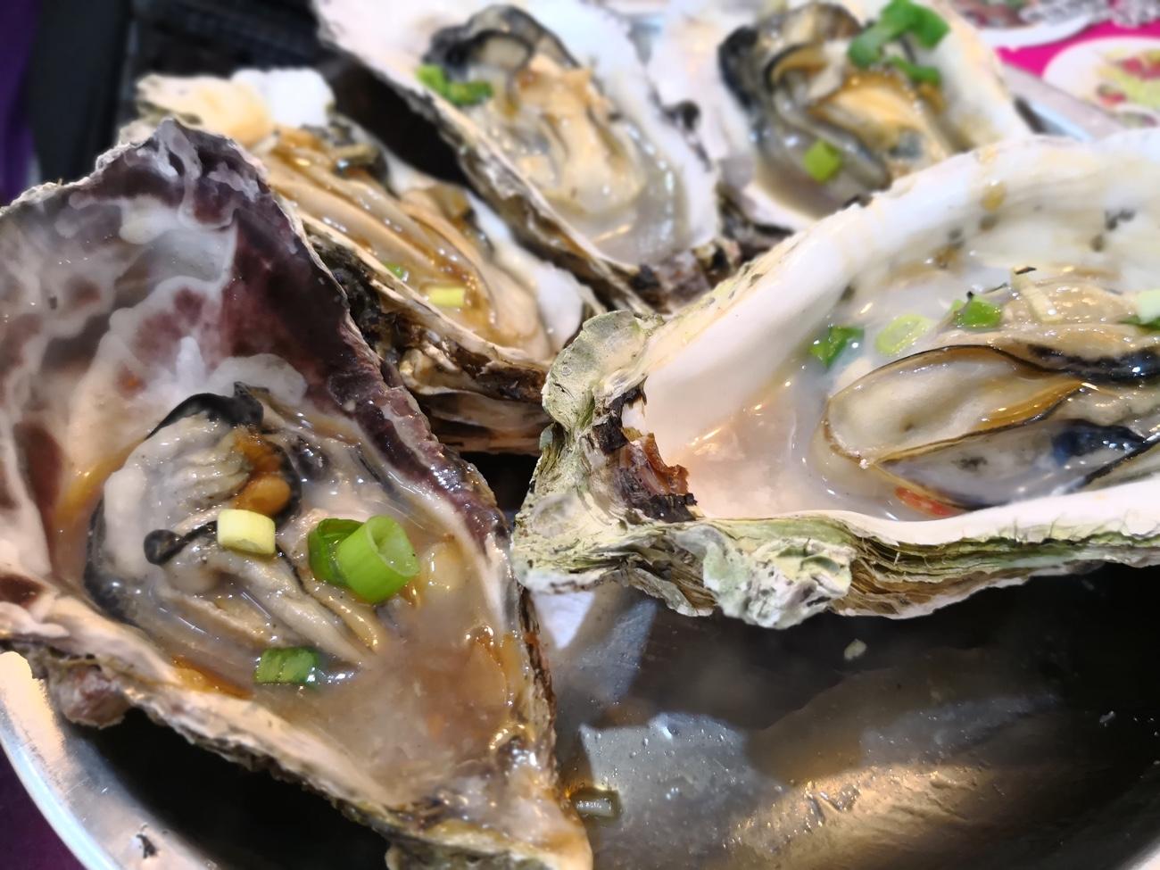 士林市場 焼き牡蠣 台湾グルメ食べ歩き おすすめ
