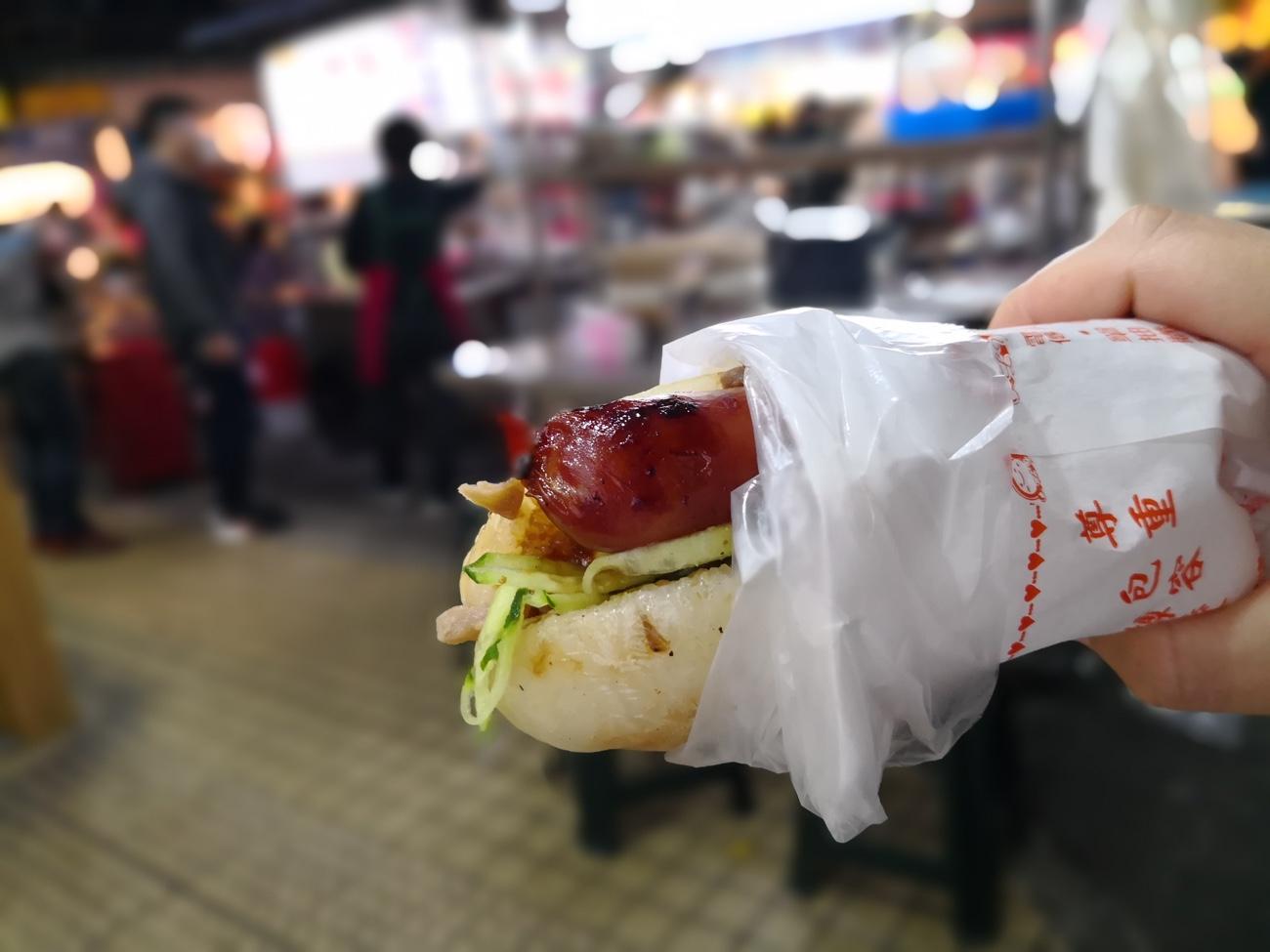 もち米ソーセージ 大腸包小腸 士林市場 食べ歩きおすすめ