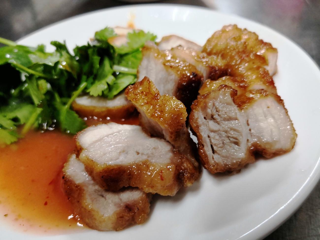 台湾食べ歩き おすすめ豚肉料理 太平市場での朝食