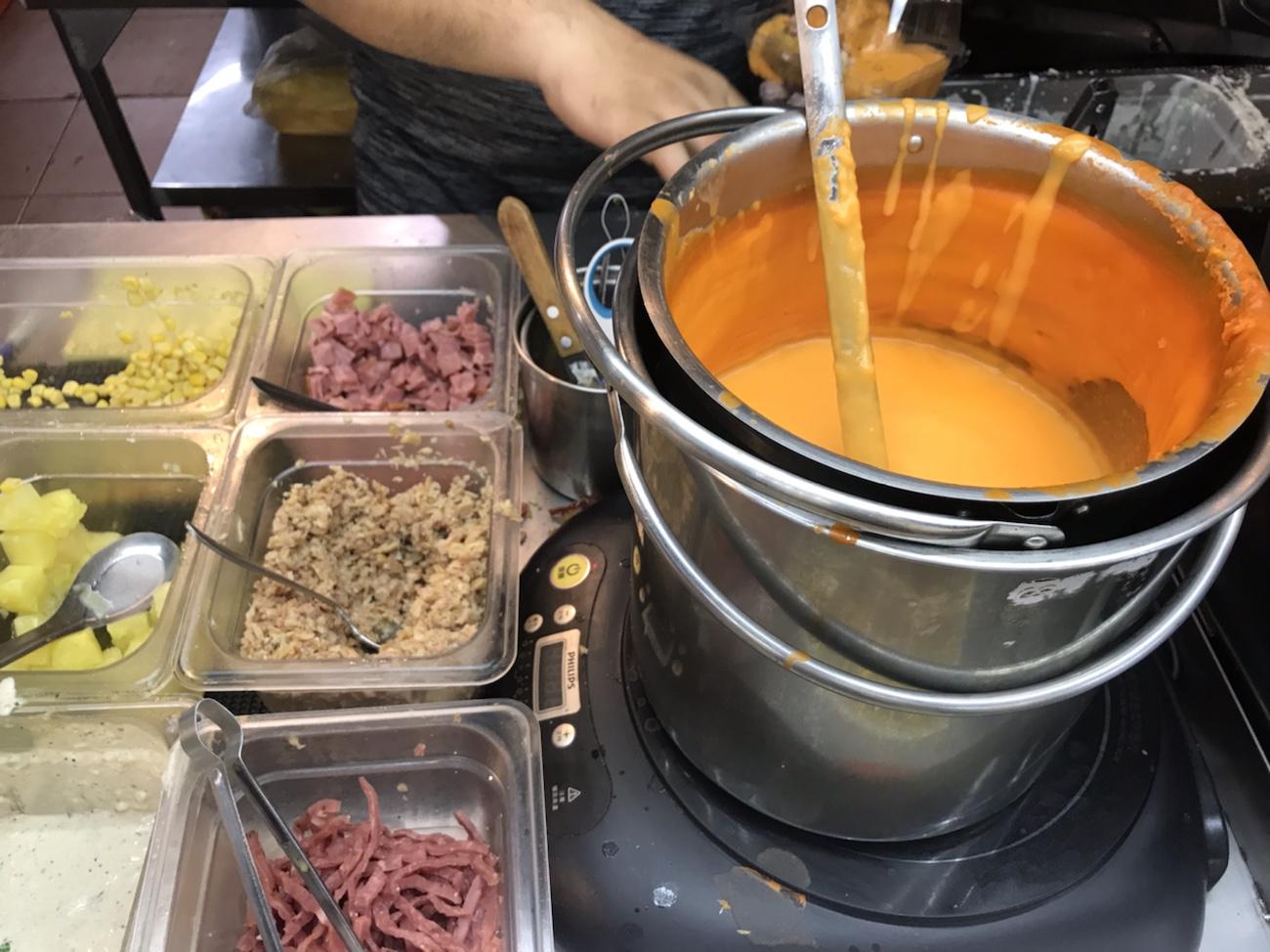 台湾旅行ブログ 台湾グルメ食べ歩き 士林夜市おすすめ