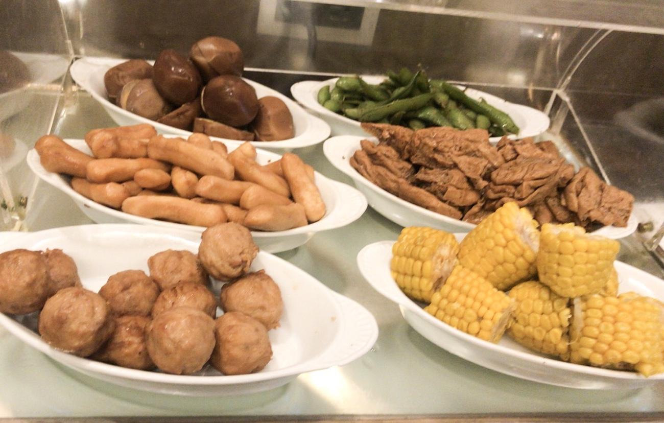台北松山空港 ラウンジ ダイナース、JCBカードではなく航空会社共通ラウンジの食事