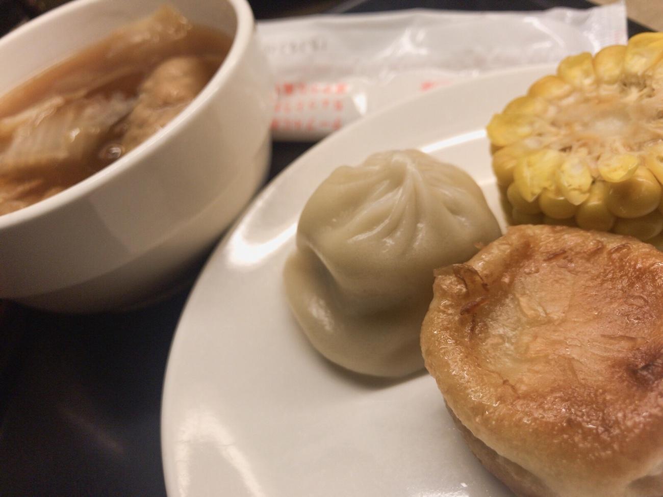 小籠包食べ放題 台北松山空港のVIPラウンジ ANA