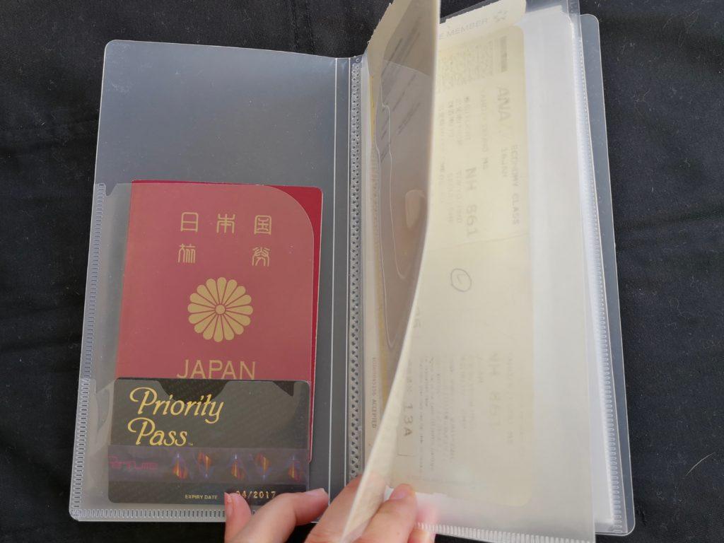 100均おすすめパスポートケース