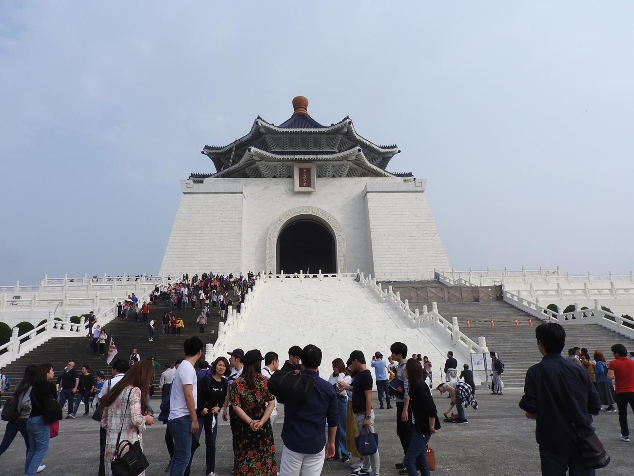 衛兵交代式がある中正記念堂の場所 台北観光
