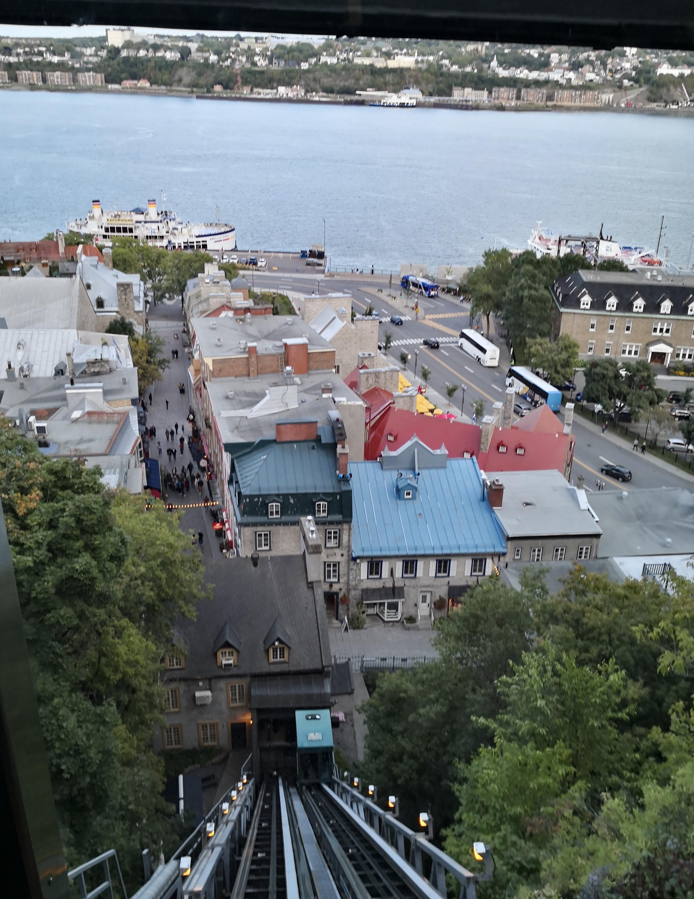 ケベックシティ観光おすすめフニキュレール乗り場