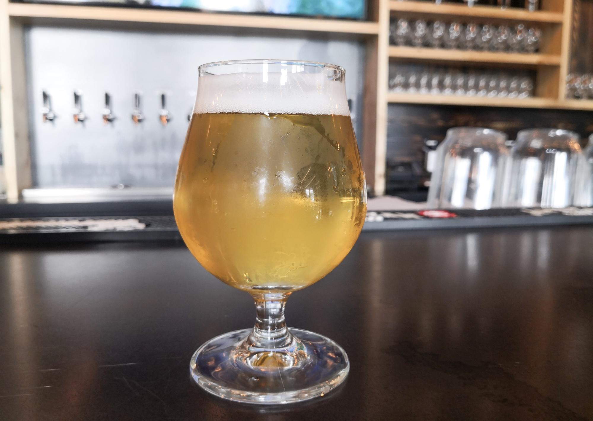 マイクロブルワリーのビール ケベックシティ市場グランマルシェ