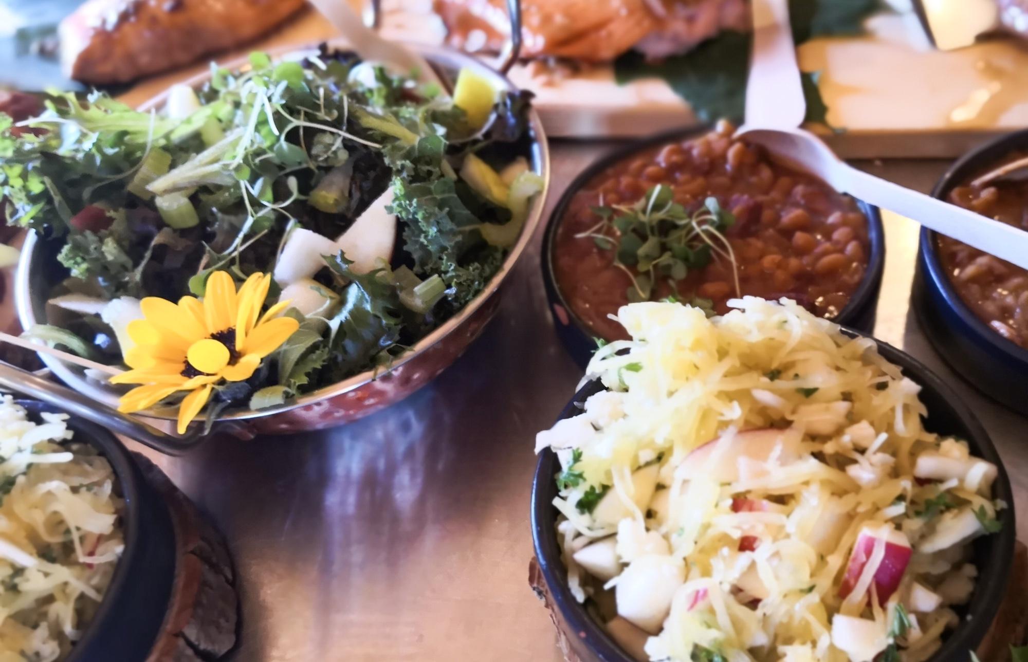 ローレンシャングルメのランチにおすすめLabonte de la pomme(ラ ボンテ デラ ポム)のサラダ