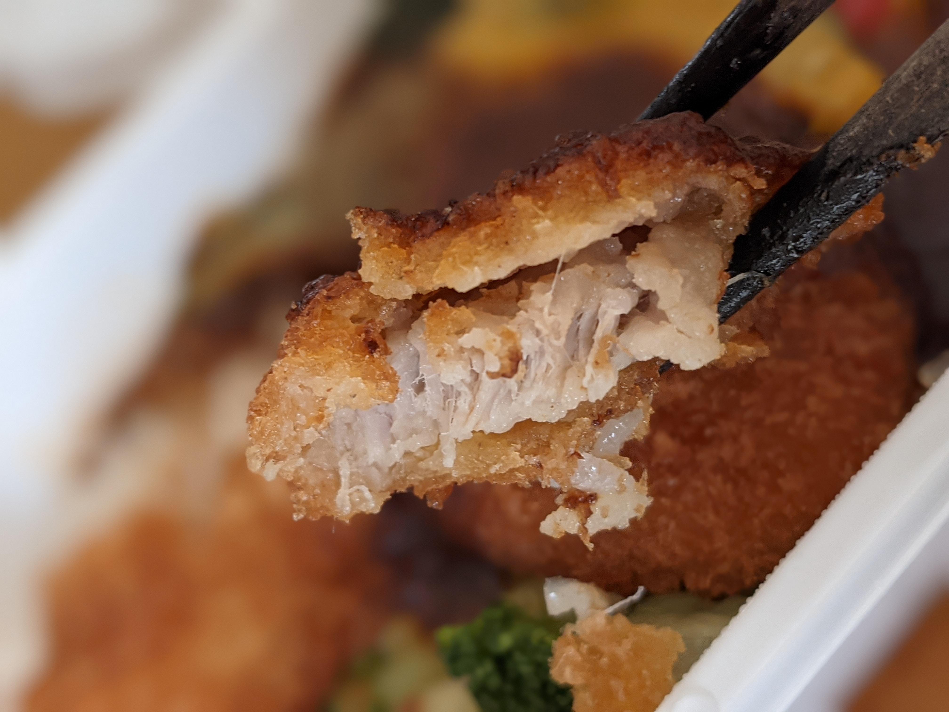 ネット通販で買ったANA機内食のデミカツ丼