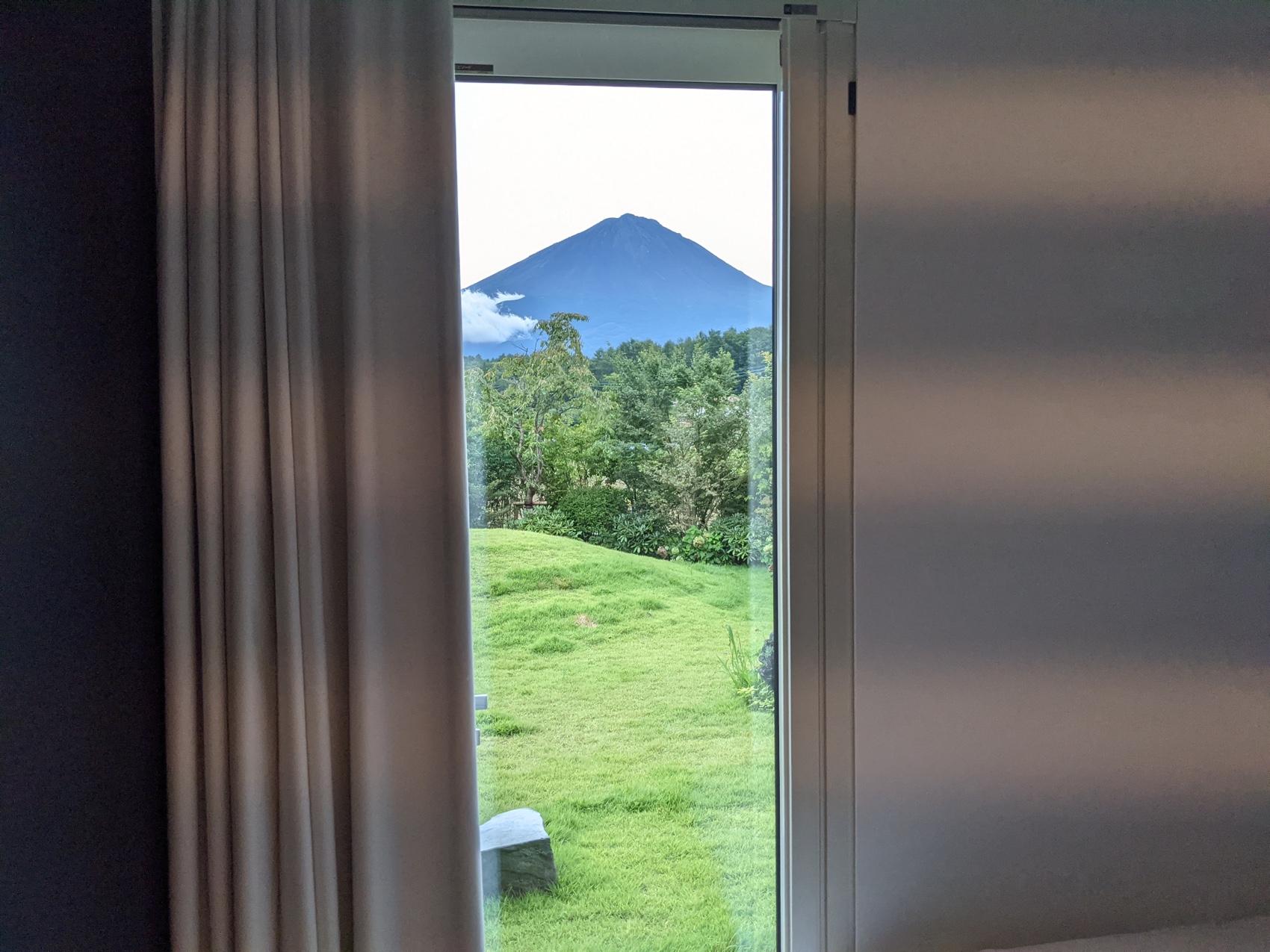 富士山ビューのアブラサスホテル