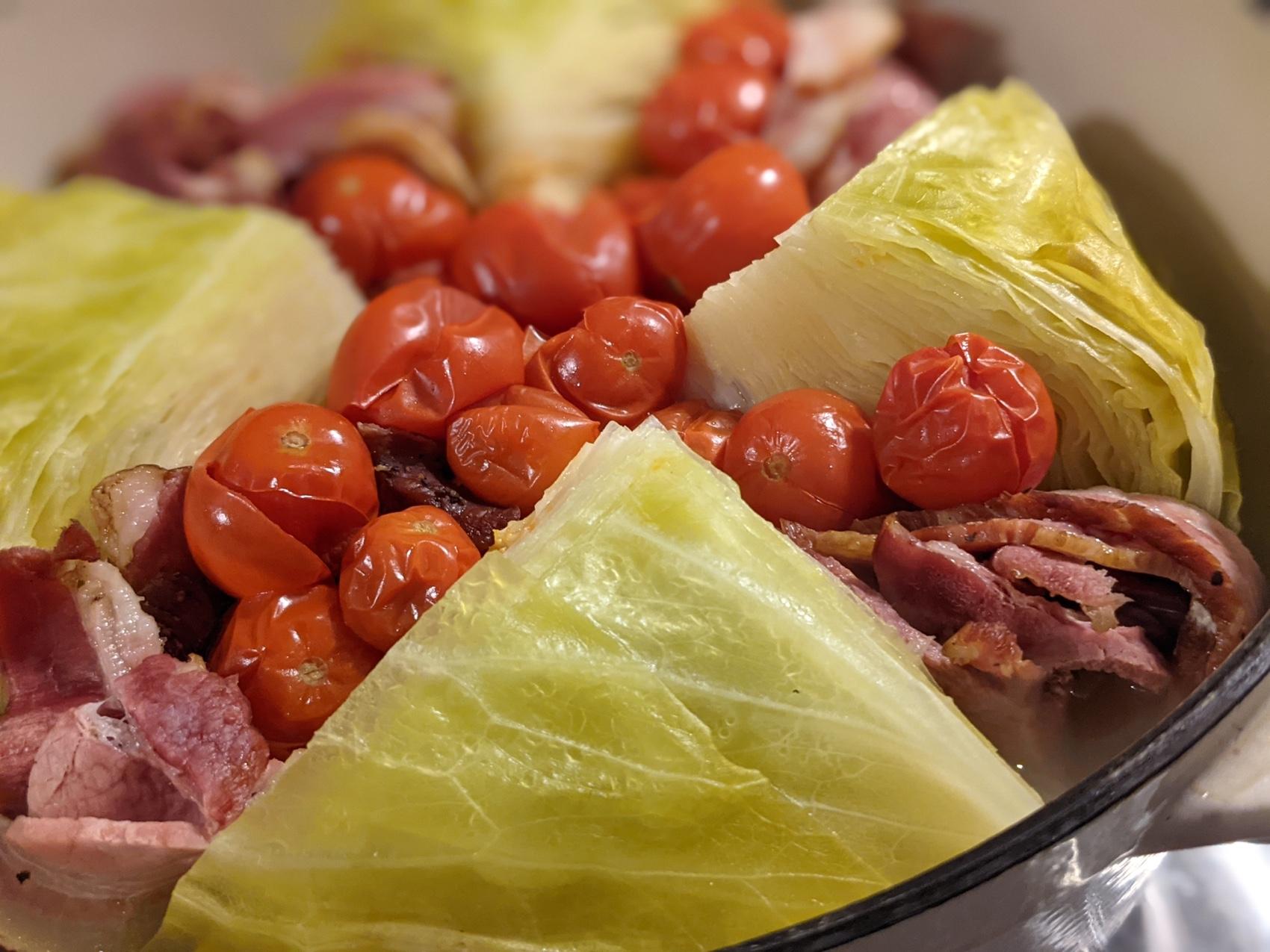 バーミキュラで無水調理した野菜スープ